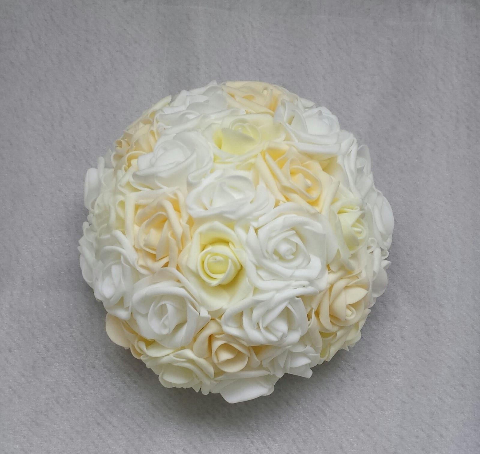 Buket na svatební auto bílá/ivory/šampaň - Obrázek č. 1