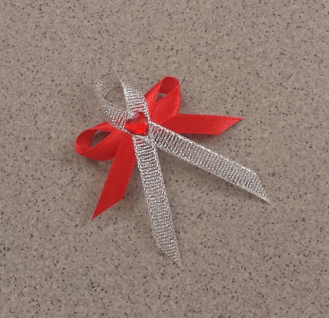 Červené vývazky se srdíčkem - Obrázek č. 1