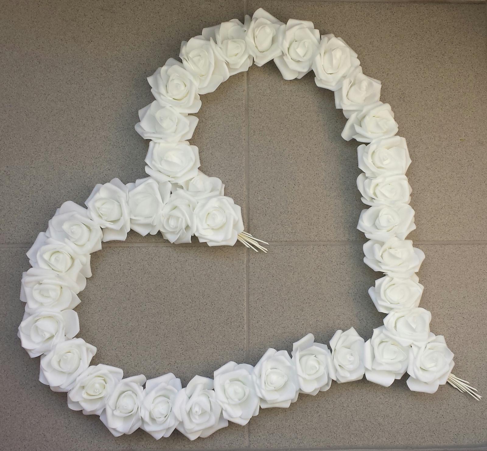 Pedigove srdce na kapotu - bílé - Obrázek č. 1