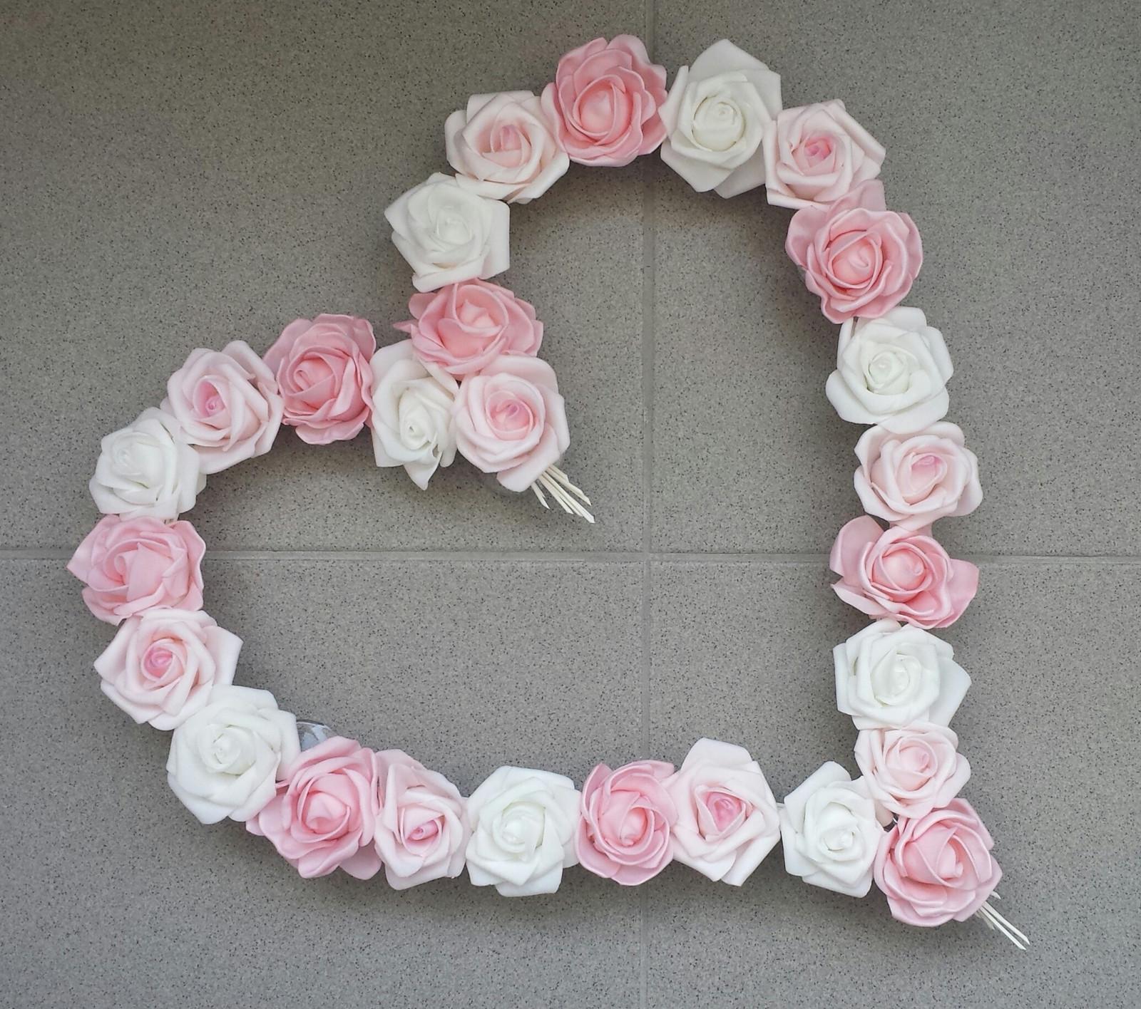Pedigové srdce na kapotu bílé a růžové - Obrázek č. 1