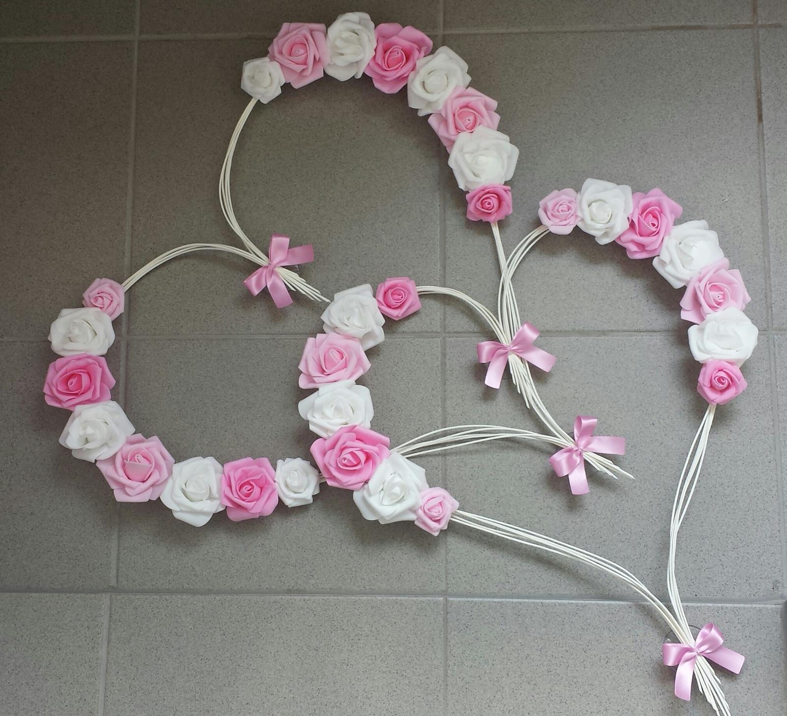 Srdce na kapotu růžová a bílá - Obrázek č. 1