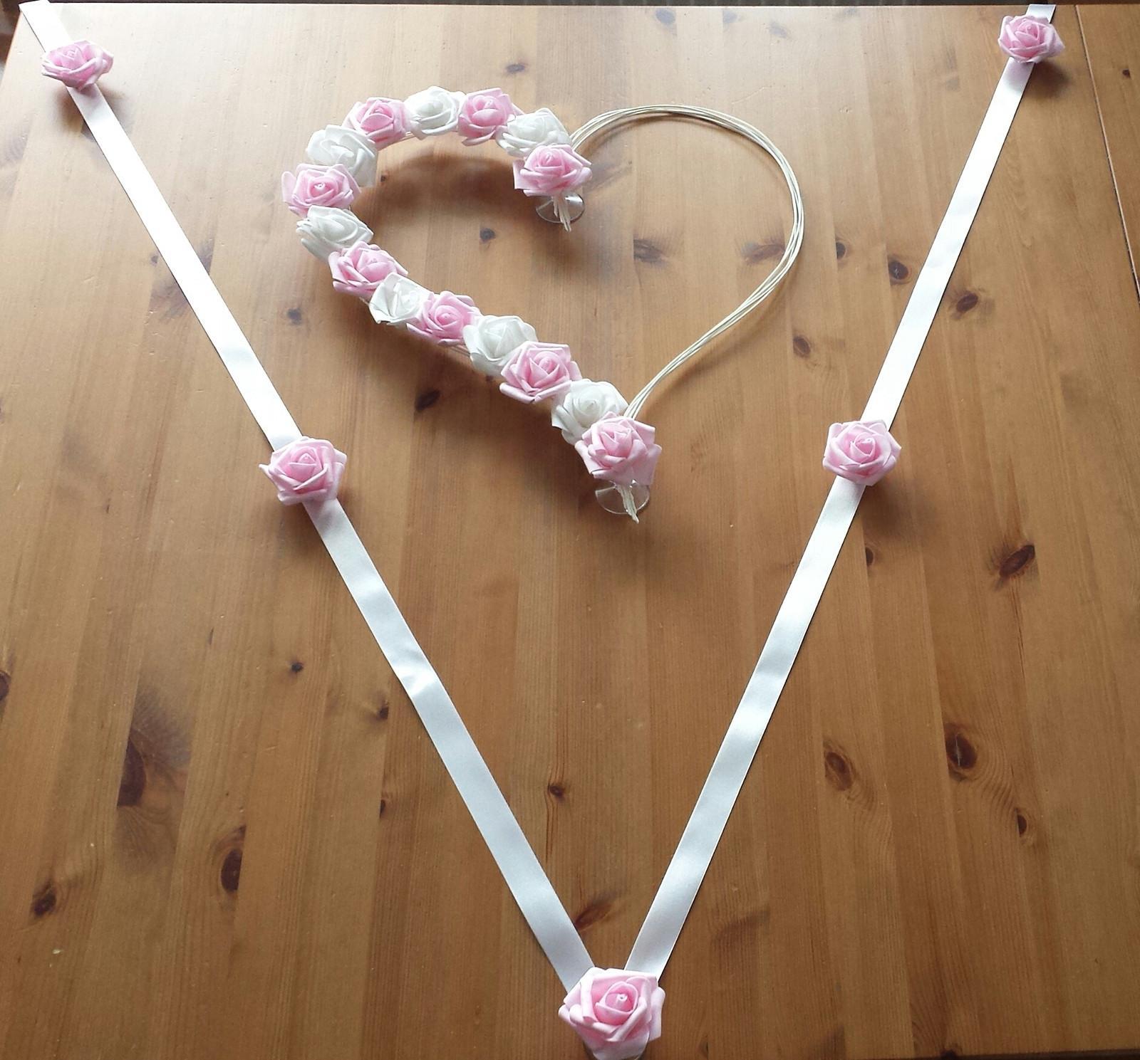 Srdce na kapotu růžová a bílá - Obrázek č. 4