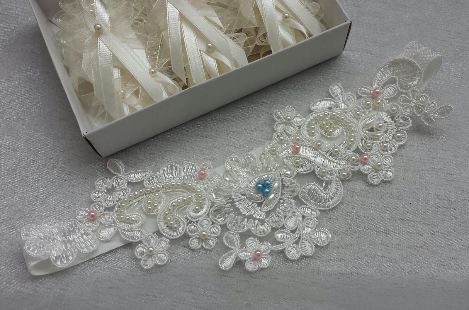 Krajkový luxusní ivory podvazek - růžová - Obrázek č. 1