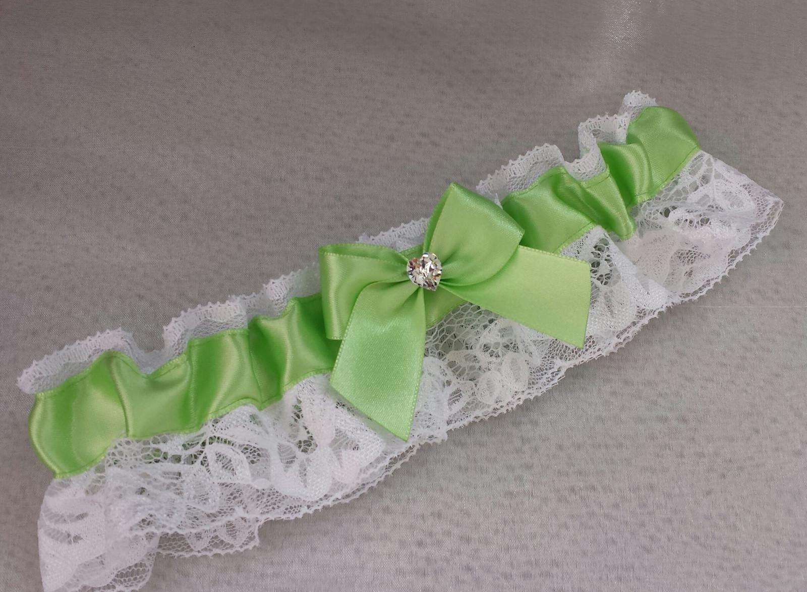 Krajkový zelenkavý SW podvazek - bílá krajka - Obrázek č. 1
