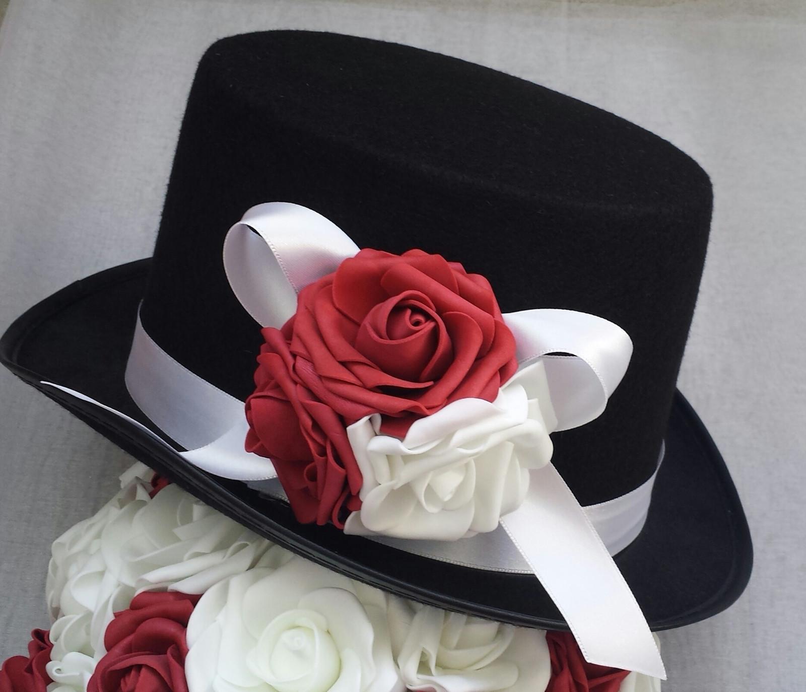 Cylindr na svatební auto - bílá/bordo - Obrázek č. 1
