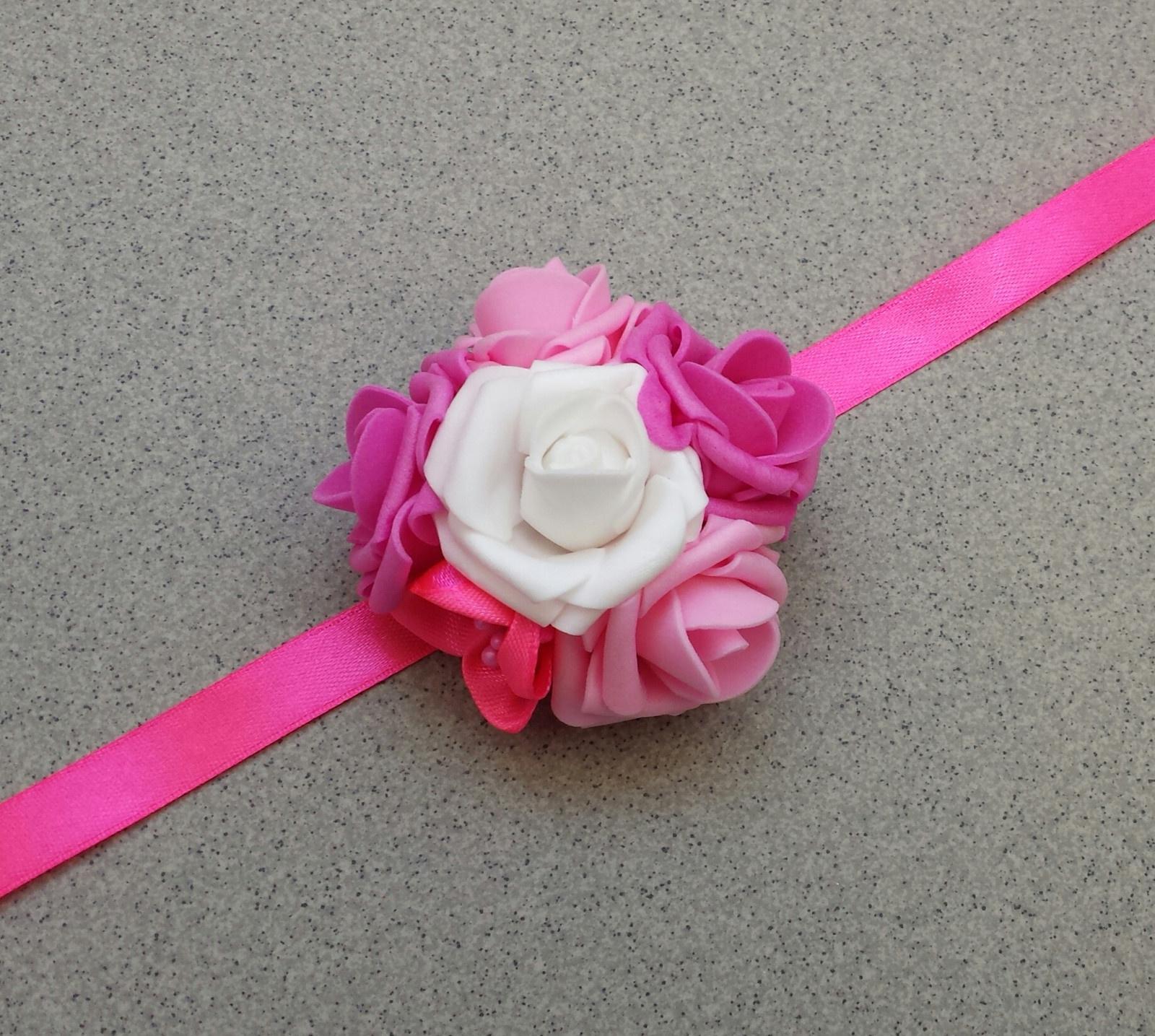 Růžičkový náramek pro družičku - Obrázek č. 1
