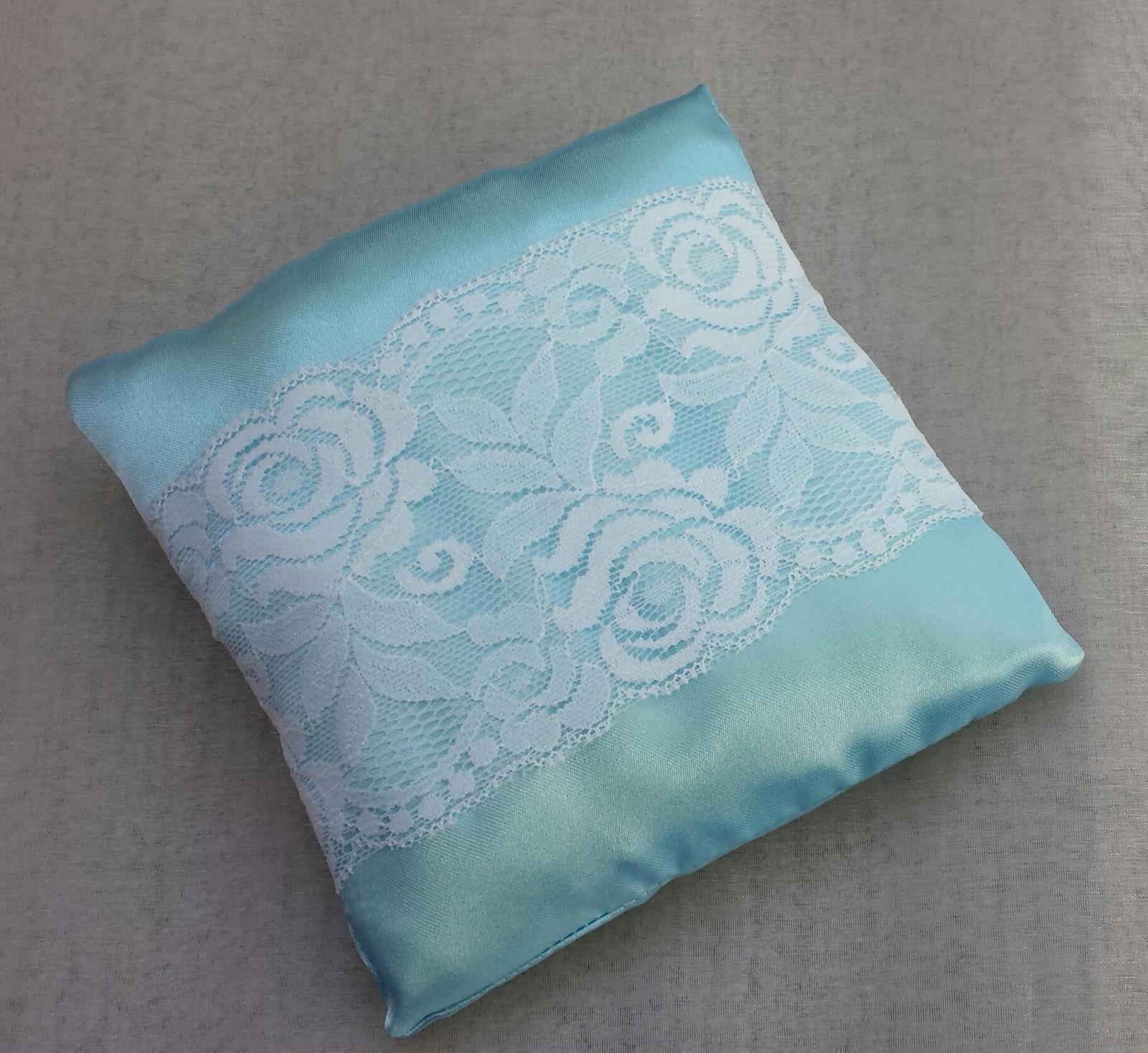 Modrý svatební polštářek s krajkou SLEVA - Obrázek č. 1