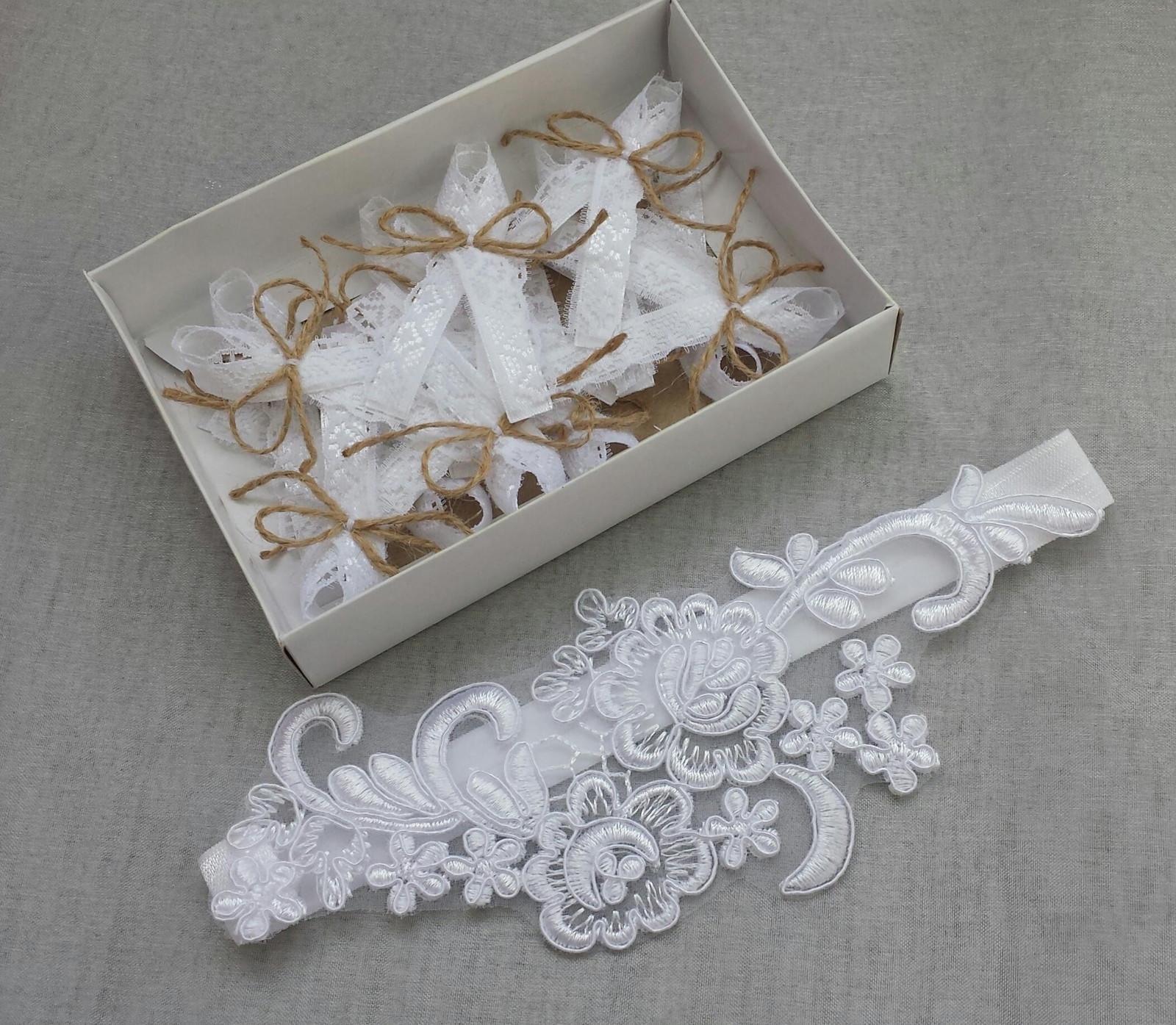 Stříbrný svatební polštářek s krajkou - Obrázek č. 3