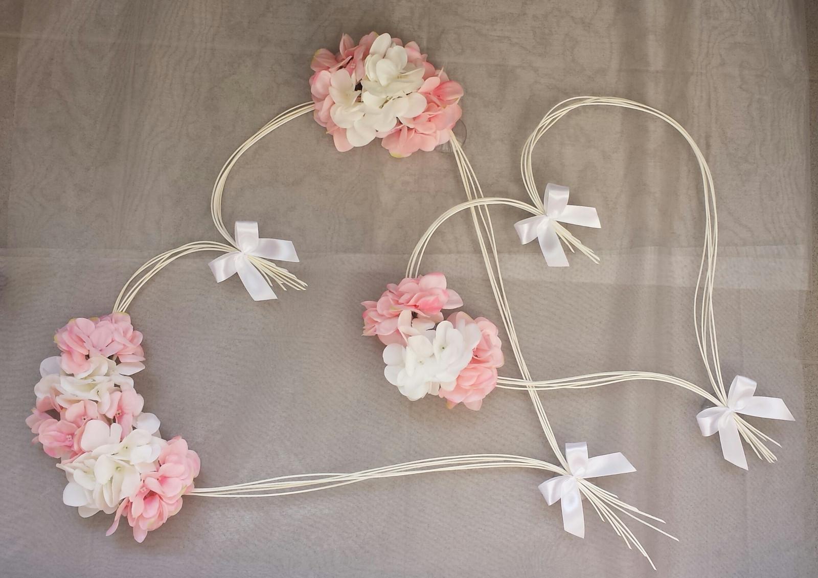 Srdce na kapotu bílá a růžová hortenzie - Obrázek č. 1