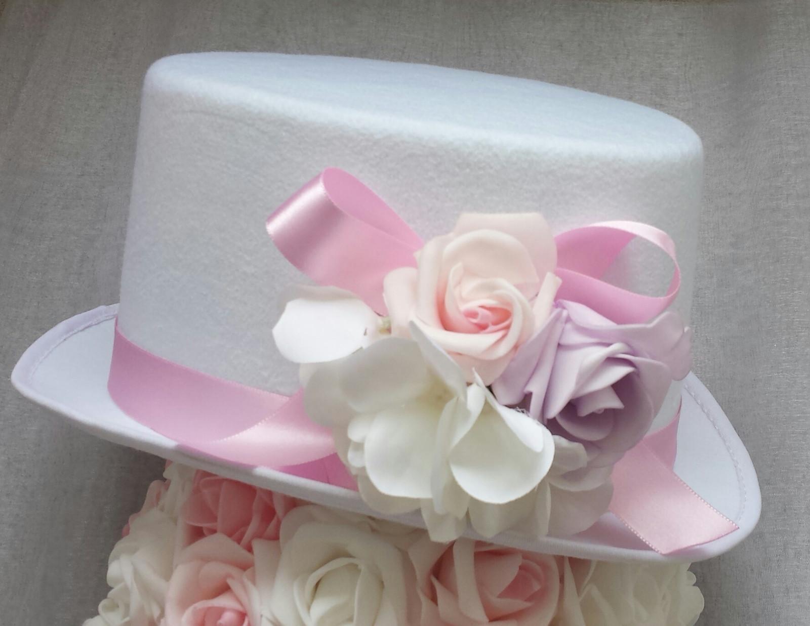 Srdce na kapotu bílá a růžová hortenzie - Obrázek č. 3