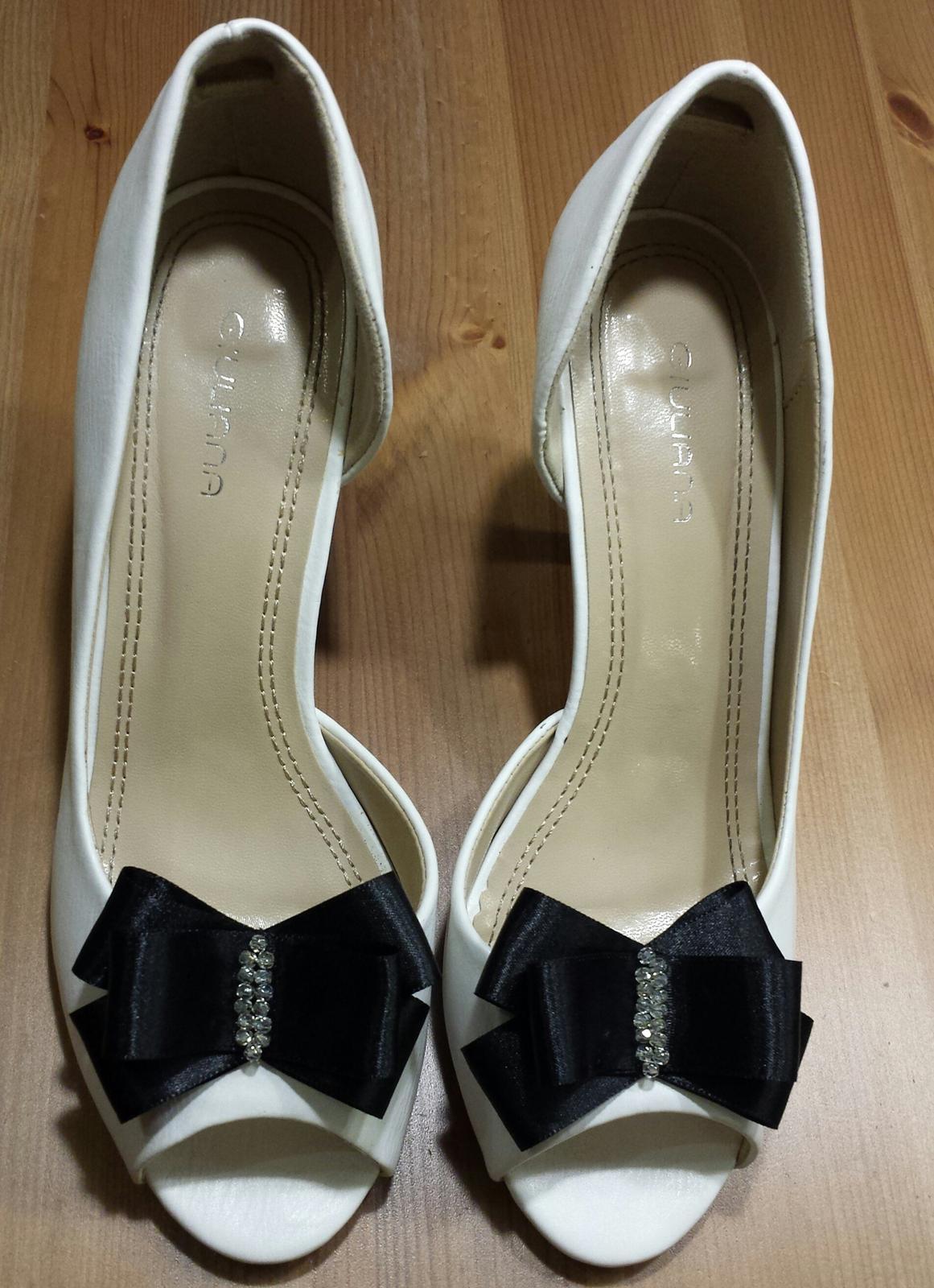 Klipy na boty pro nevěstu s ČERNOU mašličkou - Obrázek č. 4
