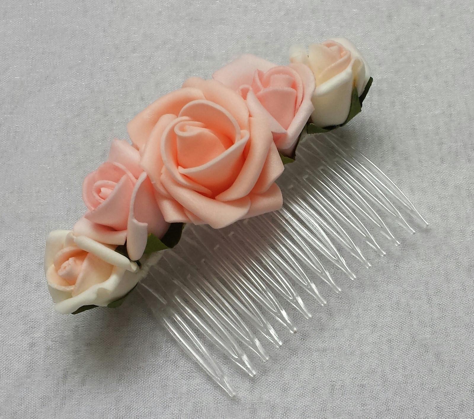 Ivory svatební hřebínek s růžičkami - Obrázek č. 1