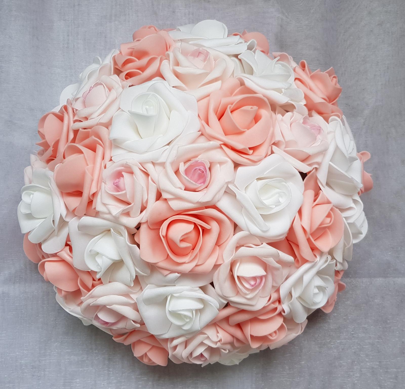 Buket na svatební auto růžová/bílá/broskvová - Obrázek č. 1