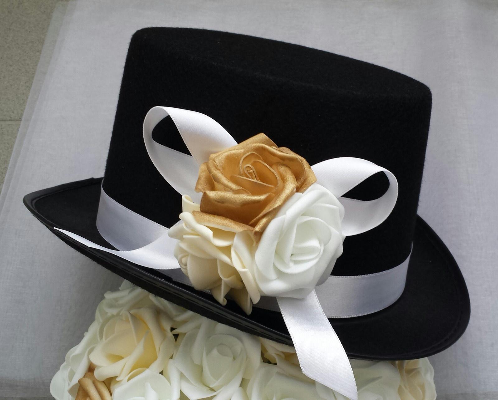 Cylindr na svatební auto - bílá/zlatá/champagne - Obrázek č. 1