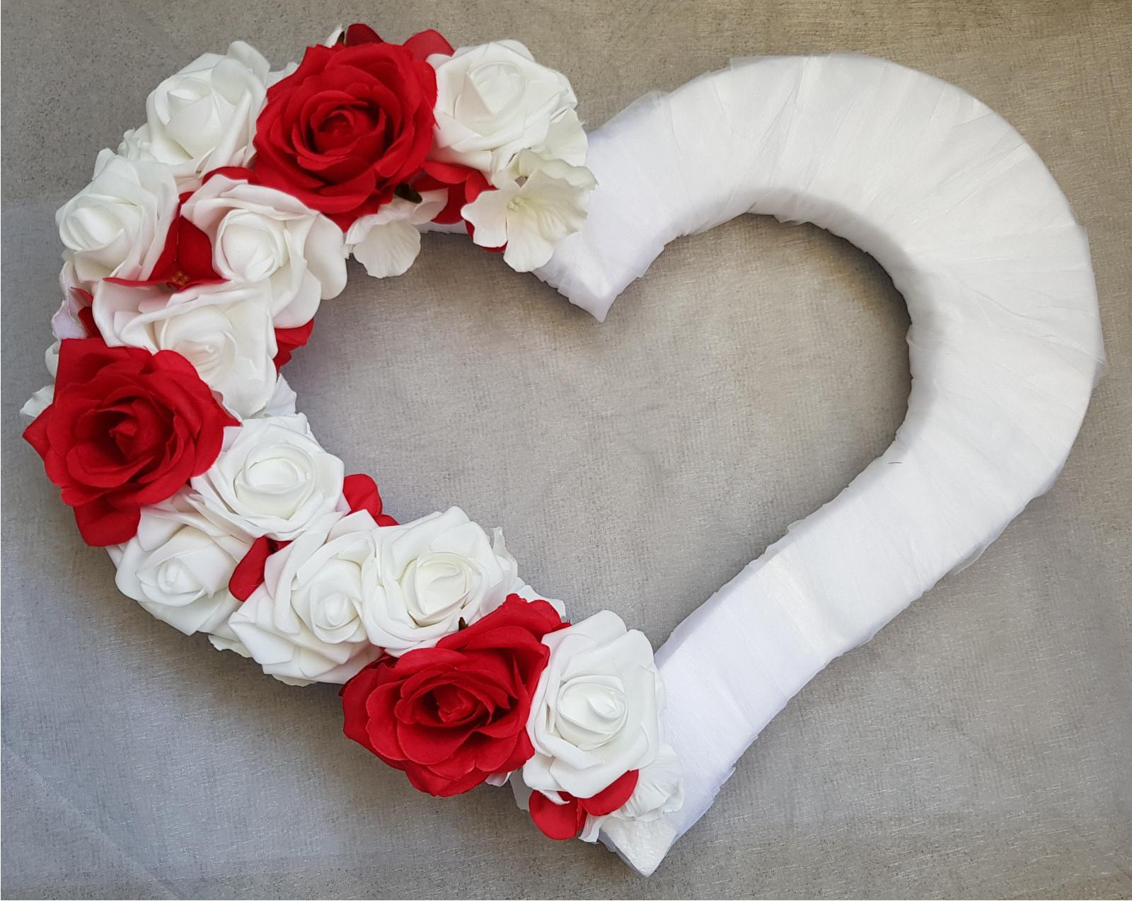 Srdce na kapotu bílá a červená - Obrázek č. 1