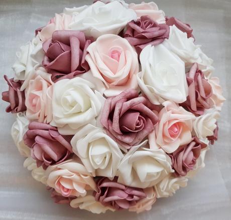 Buket na svatební auto bílá, růžová a starorůžová - Obrázek č. 1