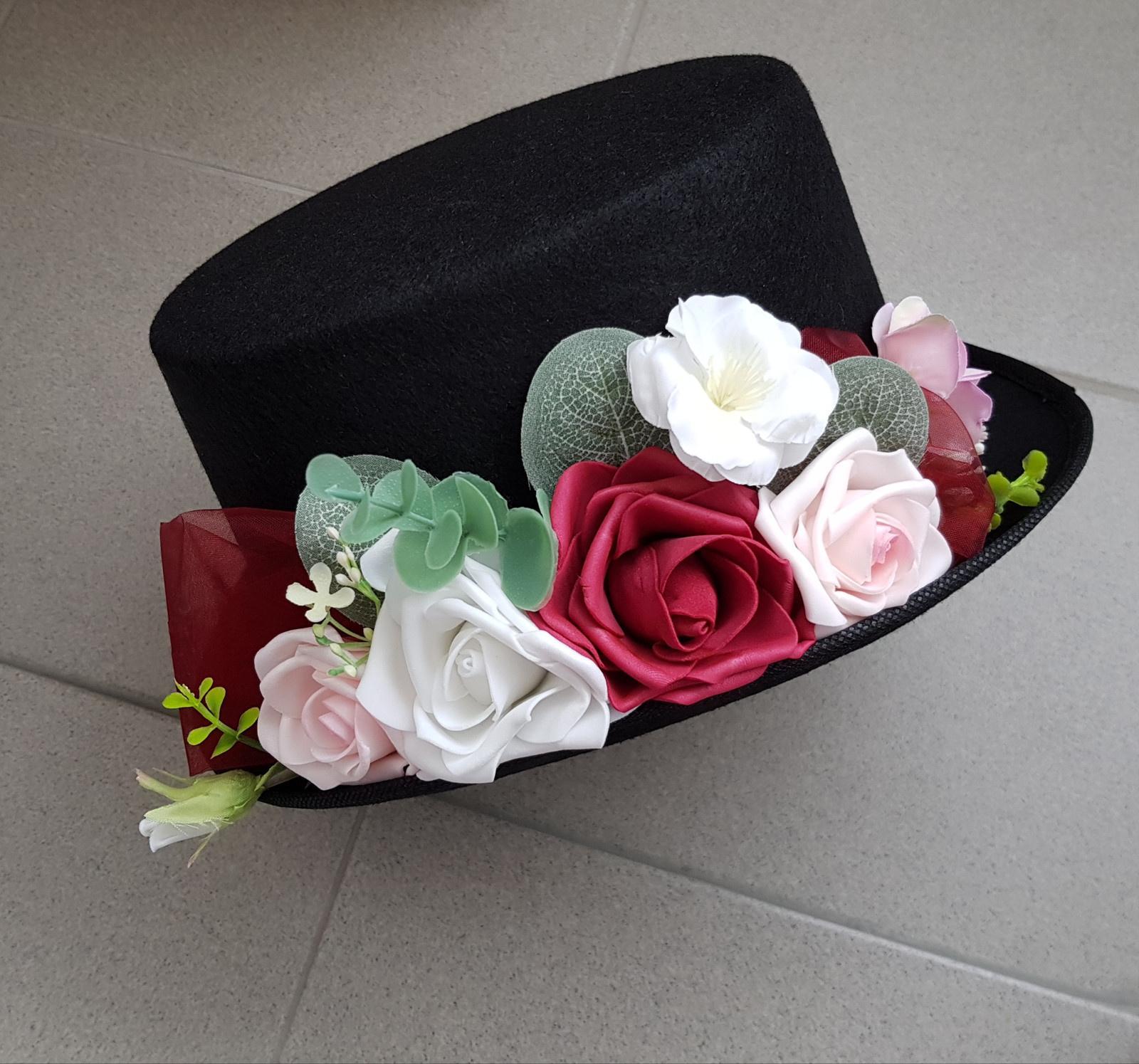Srdce na kapotu bílá, vínová a růžová - Obrázek č. 2