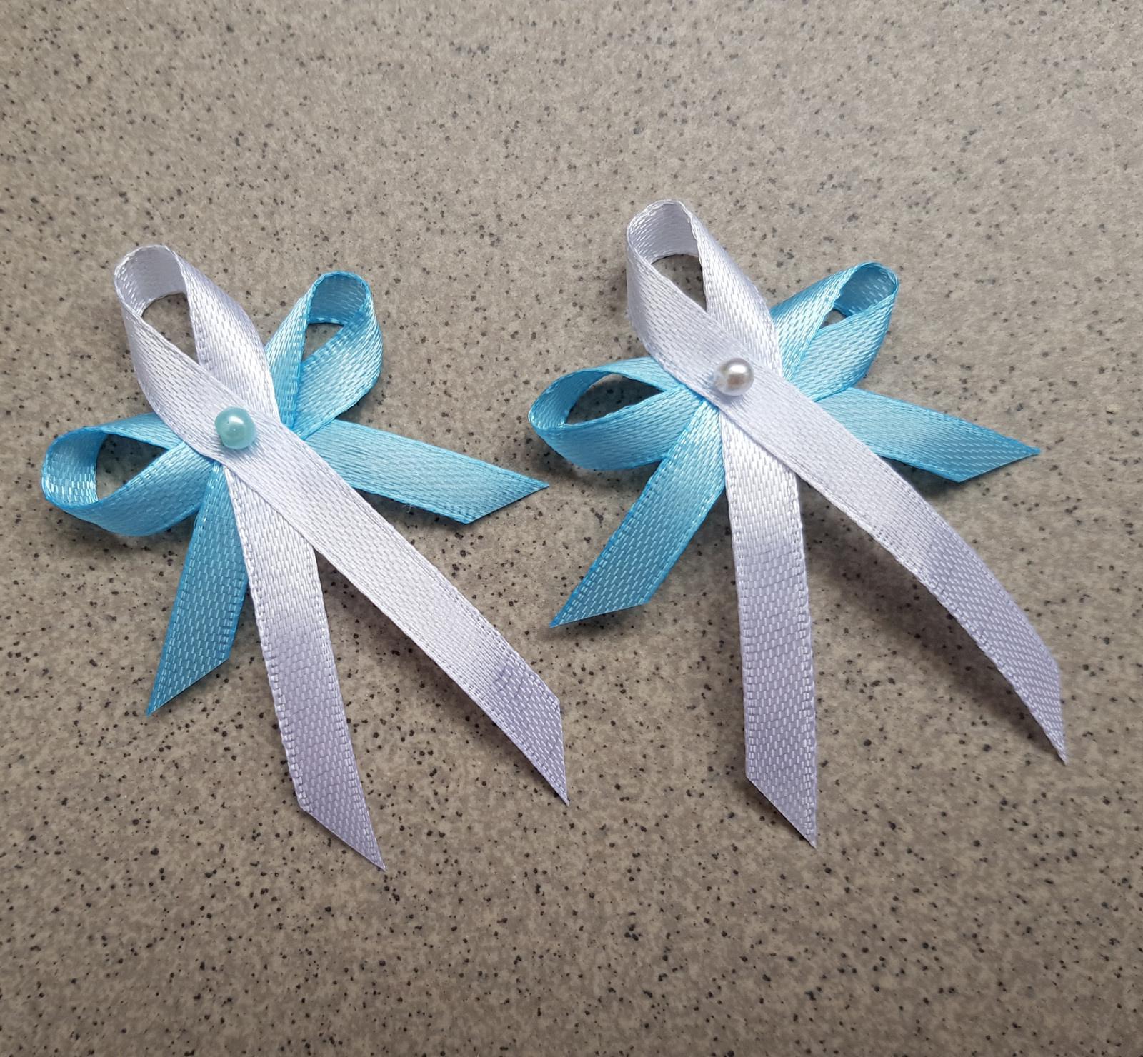 Vývazek s perličkou - bílá a modrá - Obrázek č. 1