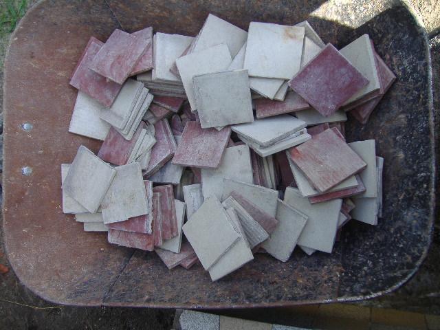 Staré kachličky, obkladačky - Obrázok č. 1