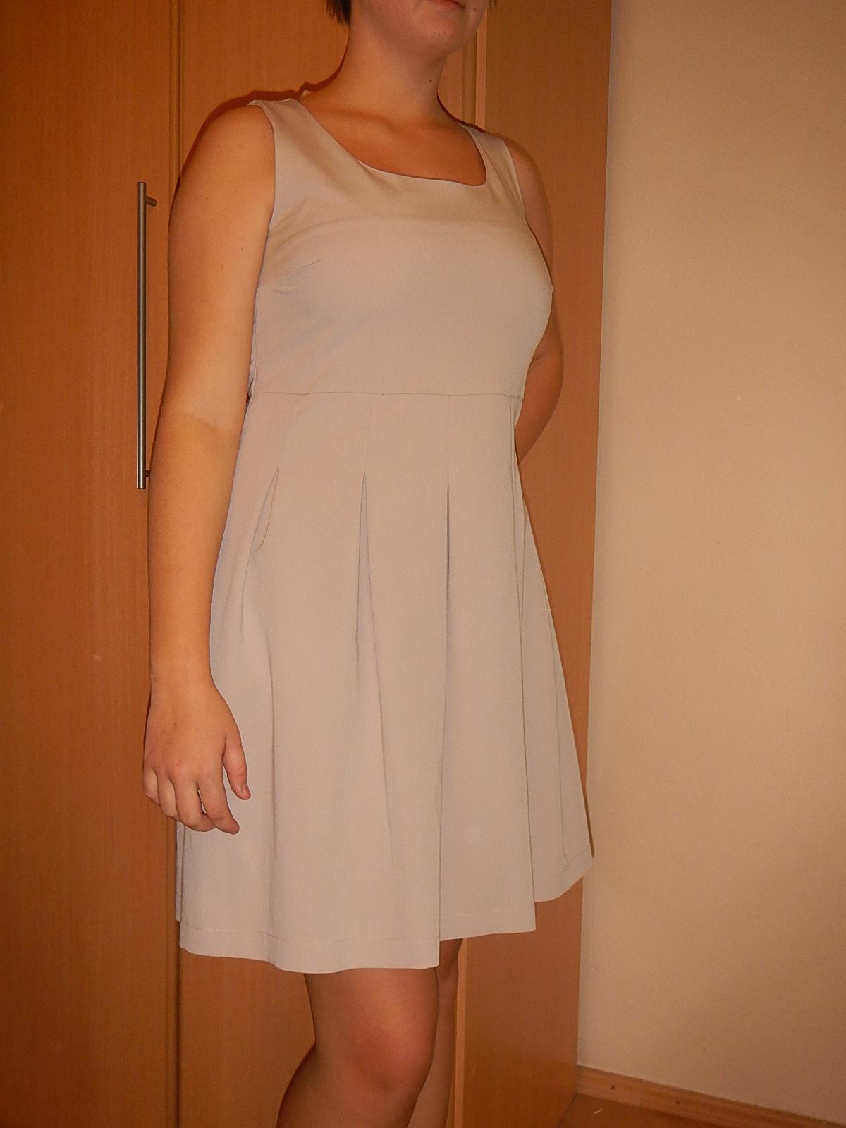 Koktailové šaty - Obrázok č. 1