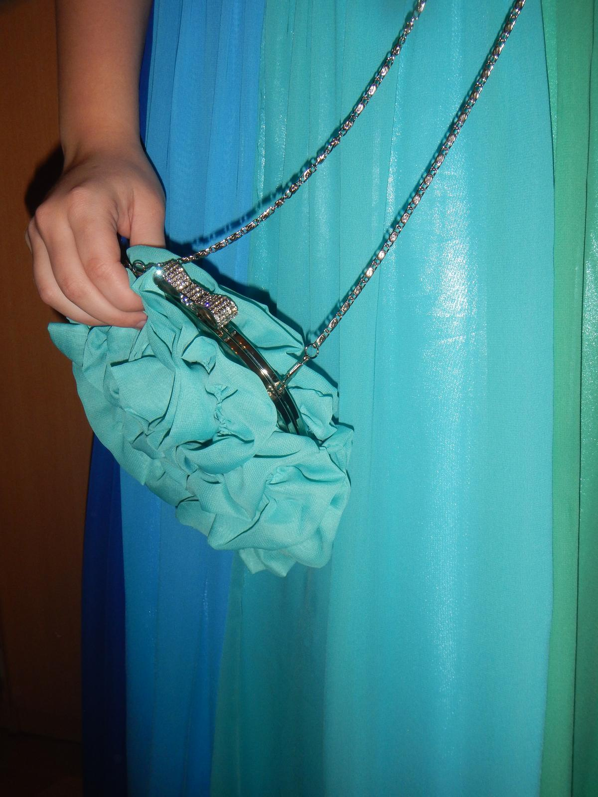 Spoločenské šaty s doplnkami - Obrázok č. 2