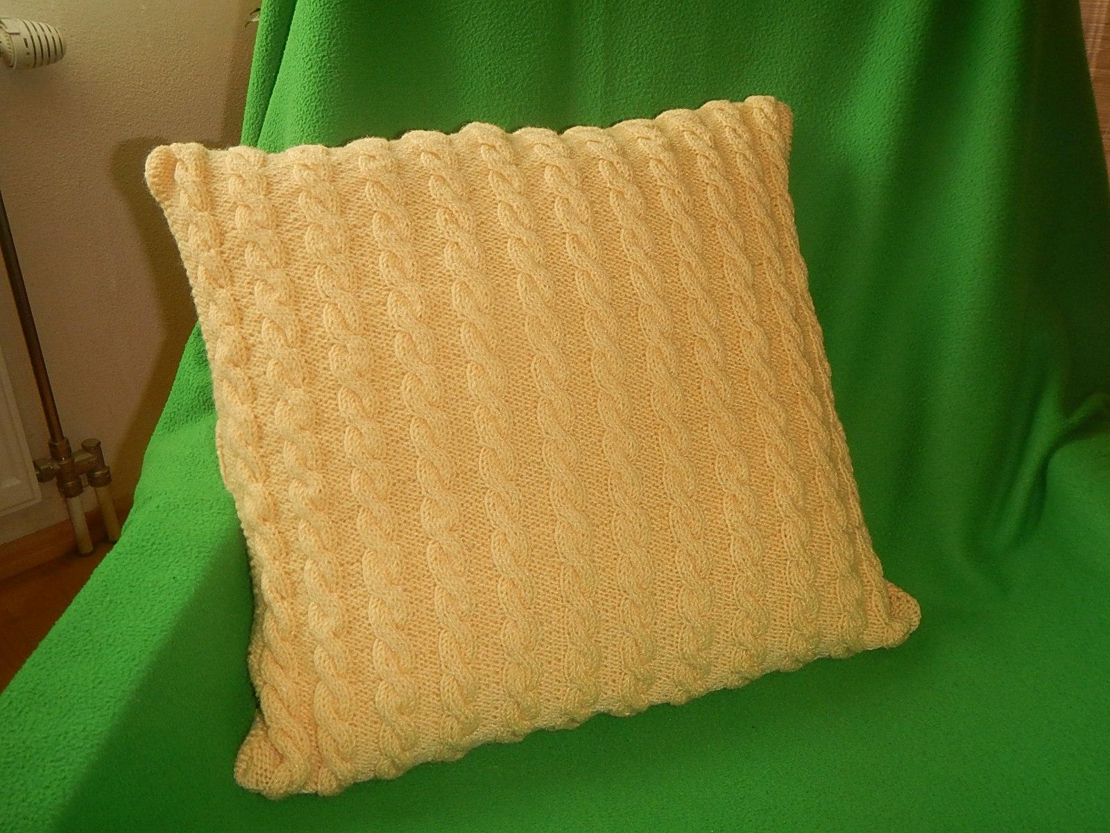 Pletená obilečka na vankúš - Obrázok č. 1