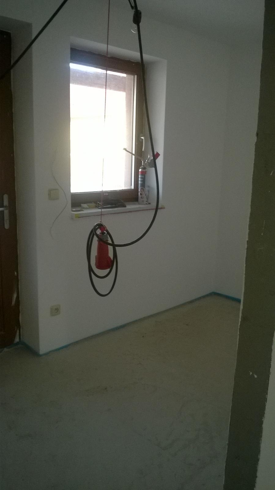 Stavba pasivního domu - Rekuperace jede, máme položené podlahové izolace, podlahové vytápění, vylitý anhydrid a už jen měsíc čekat, až vyschne :-/