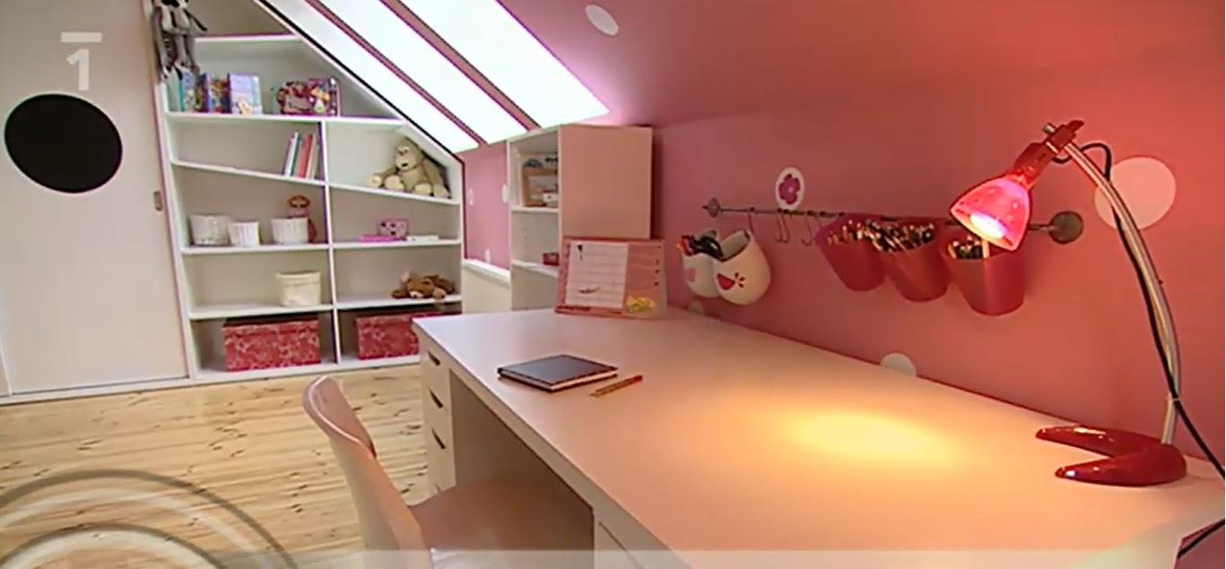 Stavba pasivního domu - Velice mě zaujal tenhle pokojíček v růžovo šedých barvách.