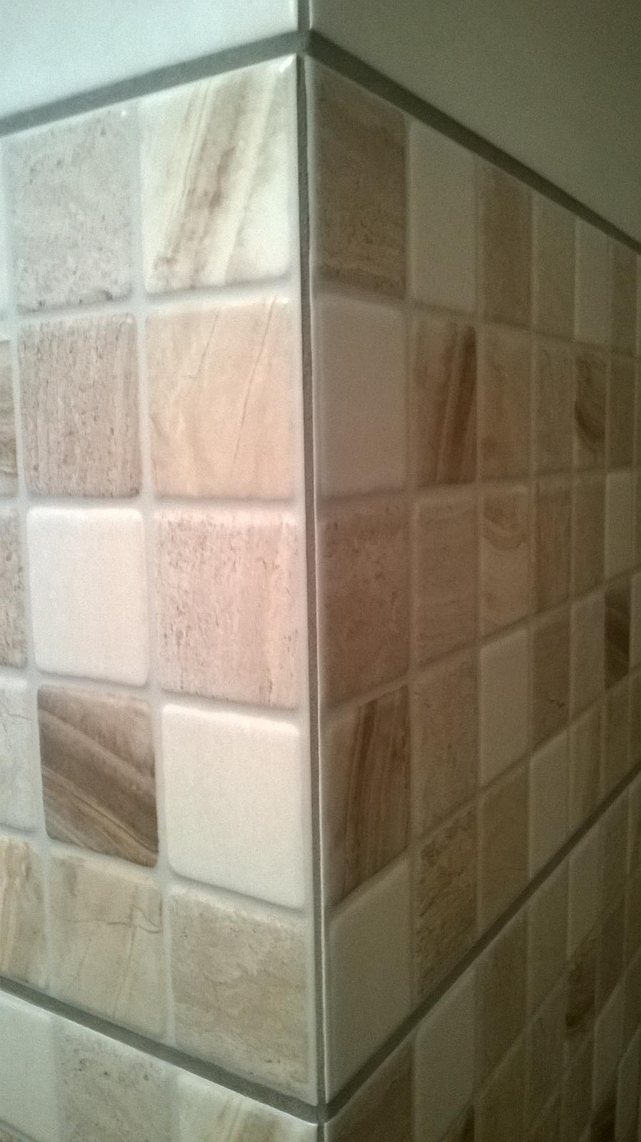 Stavba pasivního domu - Detail kamenického rohu. Líbí se nám o 100% víc, než nevzhledné krycí lišty.