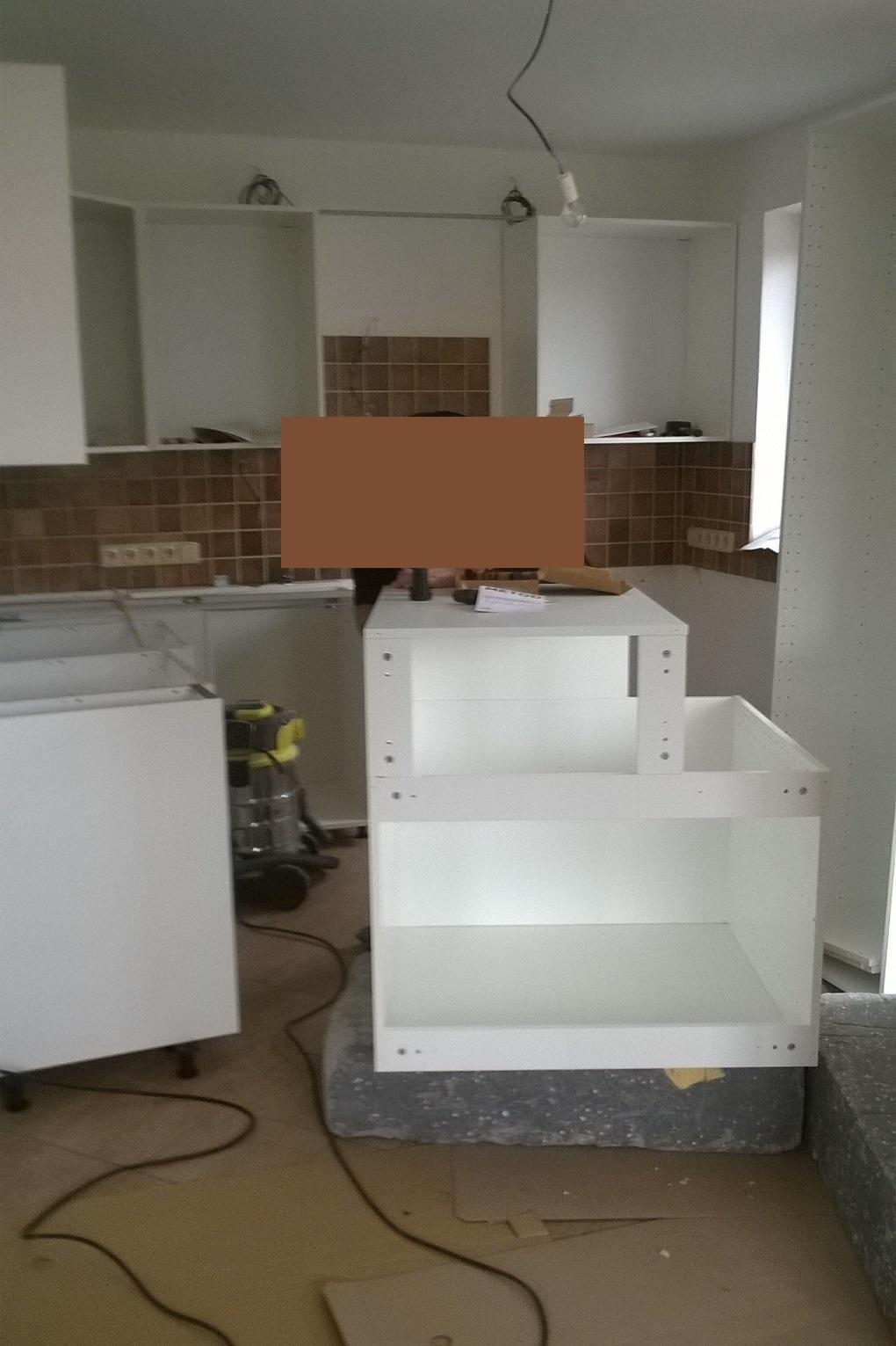Stavba pasivního domu - A jde se na montáž kuchyně.