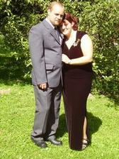 tady jsme s přítelen loni, na svatbě jeho bratra