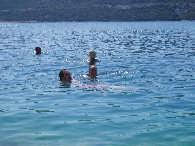 Eliska K.{{_AND_}}Misko F. - neplanovana svadobna cesta - Neum. naucila som sa plavat :)