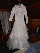 Připravené šaty, jen je obléknout...