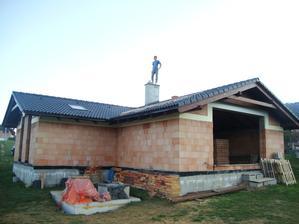 november 2013 strecha aj so strešnými oknami (7ks) konečne hotové