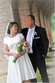 Jednoduché svadobné šaty, 42