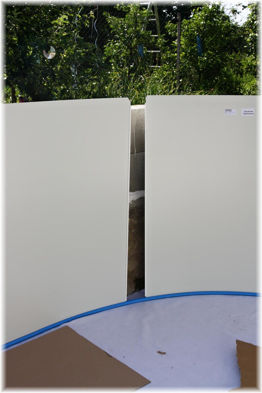 Vlastníma rukama - ze skleníku bazén - ups... budeme muset trochu zkrátit lištu, přesností teda výrobce moc neoplývá, nicméně v návodu na to upozorňuje a přidal i kousek lišty, kdyby byl opačný problém a muselo se prodlužovat.