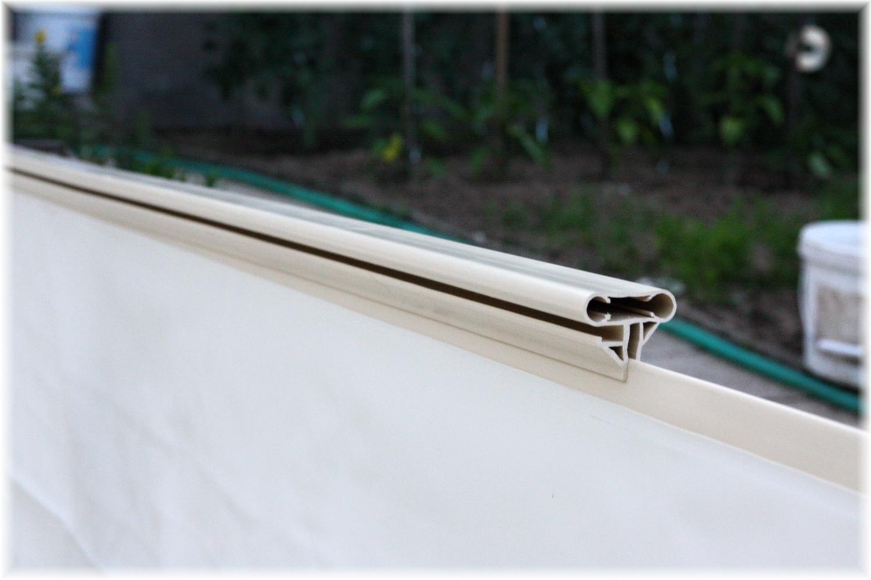Vlastníma rukama - ze skleníku bazén - nasazení horní lišty je zase hračka