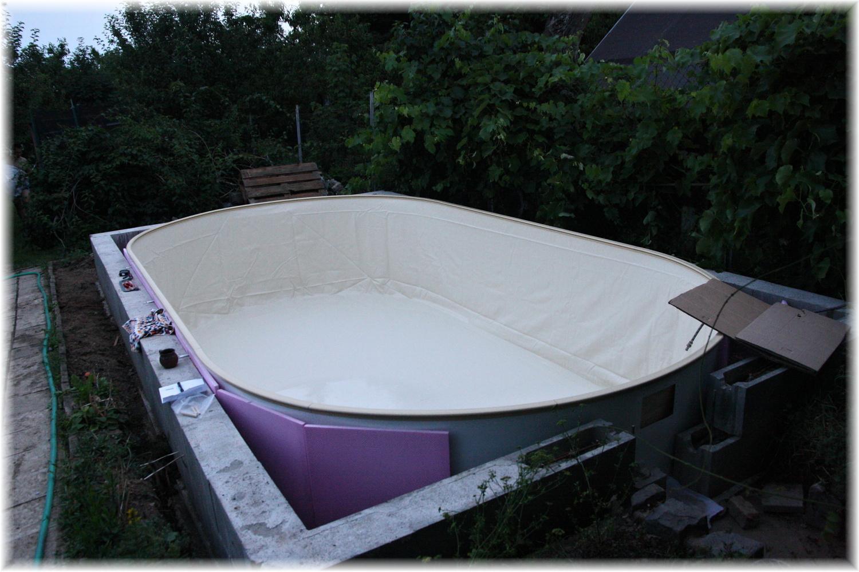 Vlastníma rukama - ze skleníku bazén - Pro dnešek hotovo, už na práci není vidět ;)