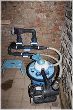 Strojovna ve sklepě - filtrace a solinátor
