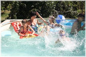 Bazén už je plně v provozu :)