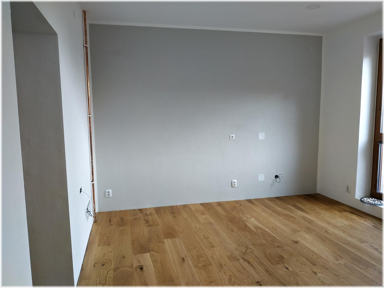 Když se sny plní... Už skoro rok chodím do sklepa si aspoň sáhnout na budoucí podlahu a konečně je to tady a můžu se po ní i projít :) - Obrázek č. 1