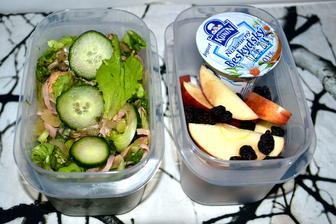 takhle si krabičkuju do práce, zabere mi to večer 20 minutek, dieta není časově náročná, je to půl hodinky mín času denně strávit u telky :-)
