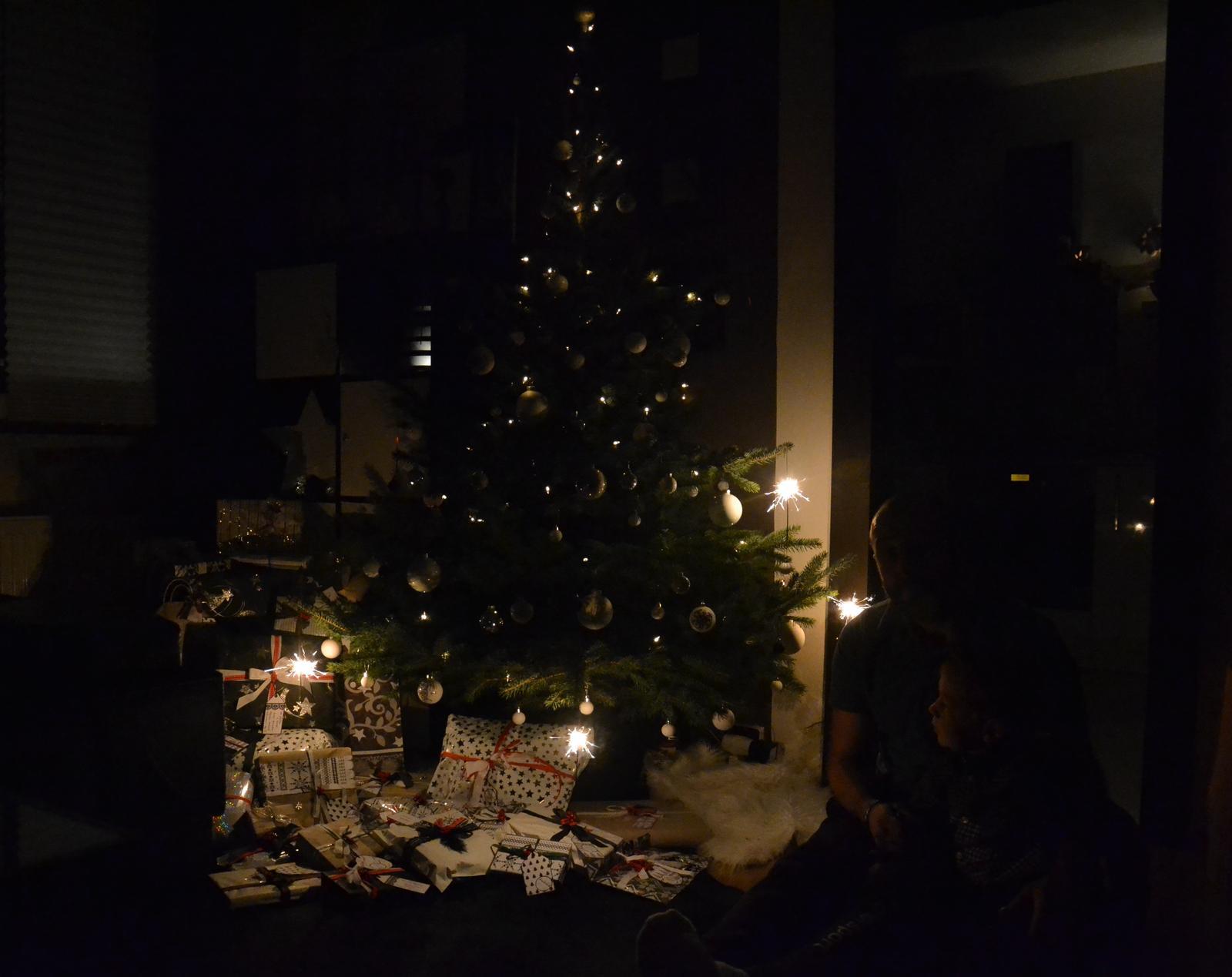U nás doma v paneláku II. - kouzelná atmosféra okamžiku......