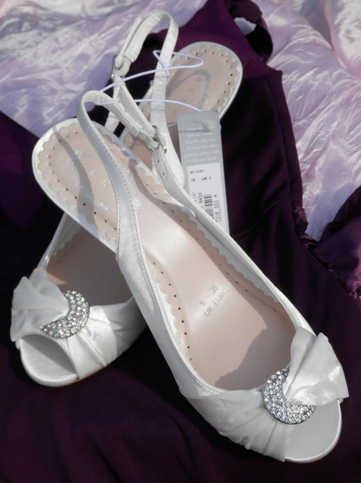 Svatební botičky s broží - Obrázek č. 1