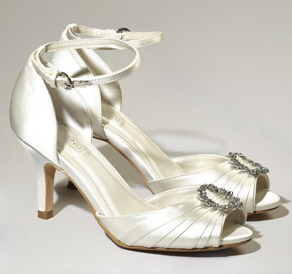 Svatební botičky s broží vel.40 - Obrázek č. 1