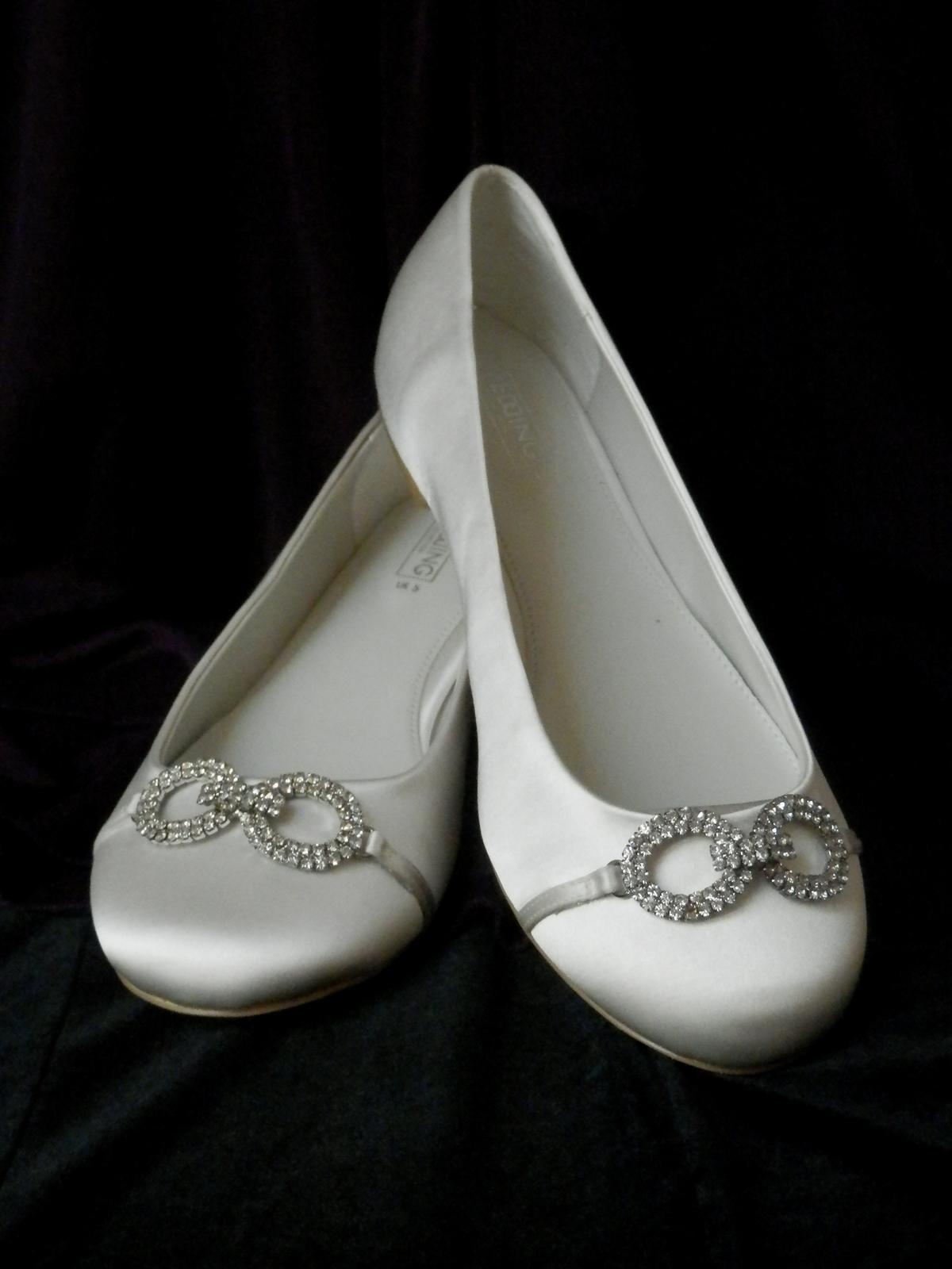 Svatební baleríny zdobeny broží - Obrázek č. 1