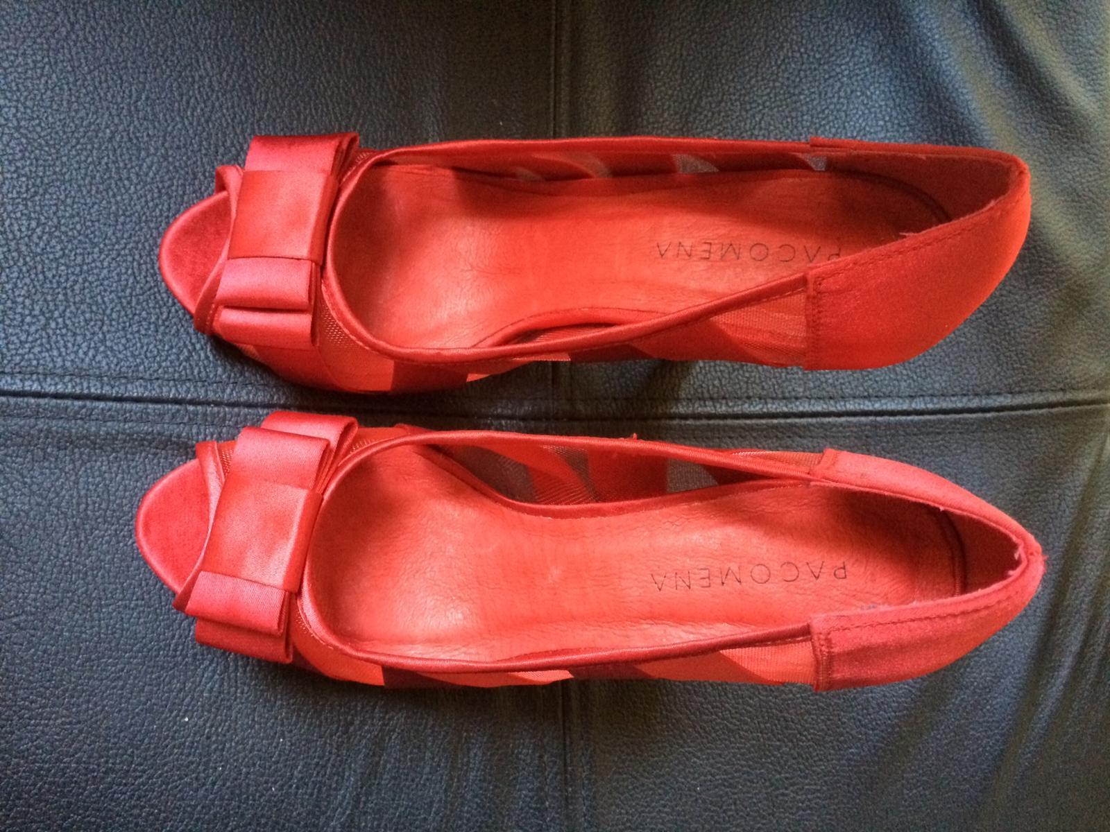 červené nenosené topánky s otvorenou špičkou - Obrázok č. 3