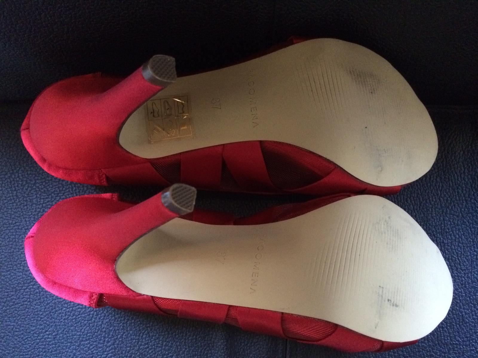 červené nenosené topánky s otvorenou špičkou - Obrázok č. 4