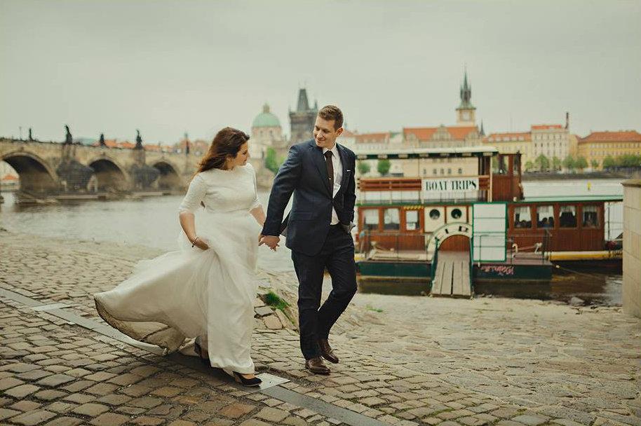 Tereza{{_AND_}}Vladimír - šaty špinavé, spodnička sundaná, boty přezuté ale stejně moje oblíbená