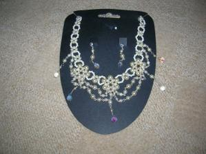 náhrdelník z veletrhu